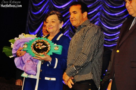 Remembering The 52nd Annual Wbc Convention In Las Vegas also Boxing Writer Bert Sugar Dies Of Cardiac Arrest 1 as well  on oscar de la hoya wife present