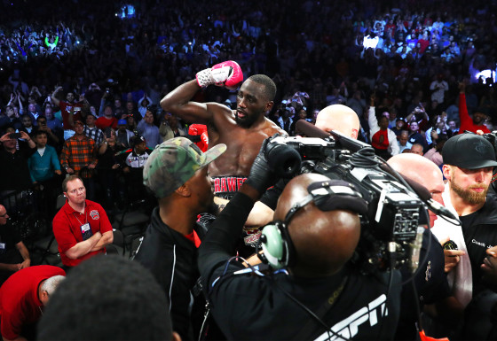 Terence_Crawford_corner_celebration