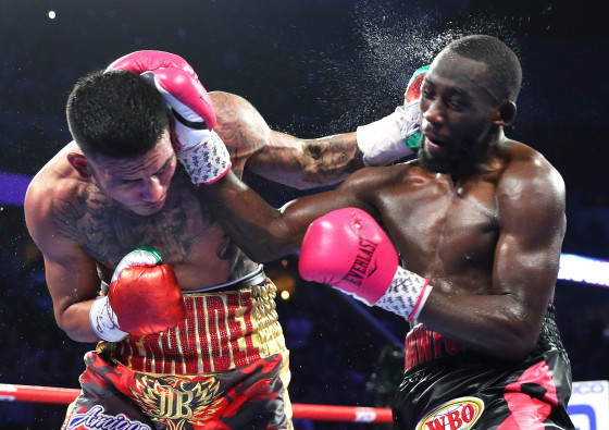 Terence_Crawford_vs_Jose_Benavidez_action6