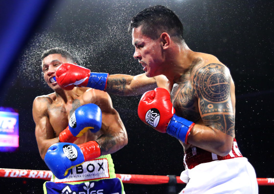 Miguel_Berchelt_vs_Miguel_Roman_action2