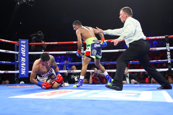 Miguel_Berchelt_vs_Miguel_Roman_knockdown