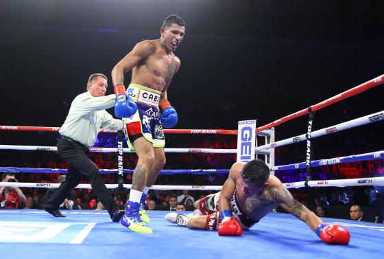 Miguel_Berchelt_vs_Miguel_Roman_knockdown3