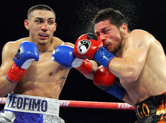 Teofimo_Lopez_vs_Diego_Magdaleno_action3