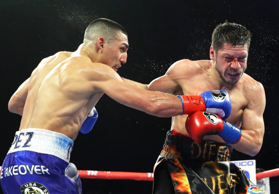 Teofimo_Lopez_vs_Diego_Magdaleno_action5