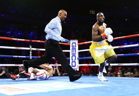 Terence_Crawford_vs_Amir_Khan_knockdown_view2