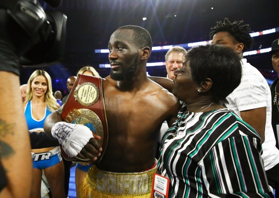 Terence_Crawford_w_mom