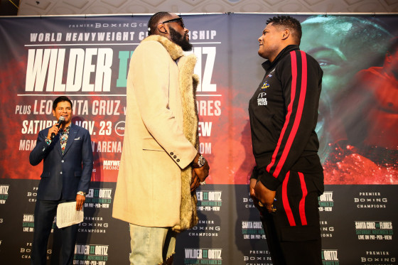 LR_TGB-GRAND ARRIVALS-WILDER VS ORTIZ-TRAPPFOTOS-11192019-3723