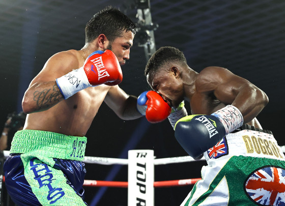 Isaac_Dogboe_vs_Chris_Avalos_action9