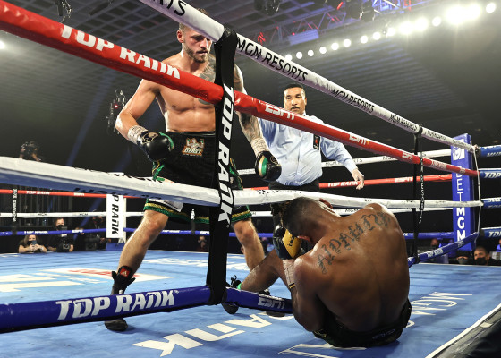 Eleider_Alvarez_vs_Joe_Smith_Jr_stoppage