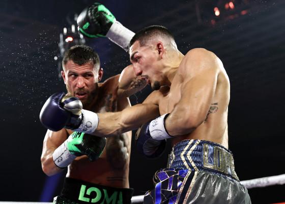 Vasiliy_Lomachenko_vs_Teofimo_Lopez_action15